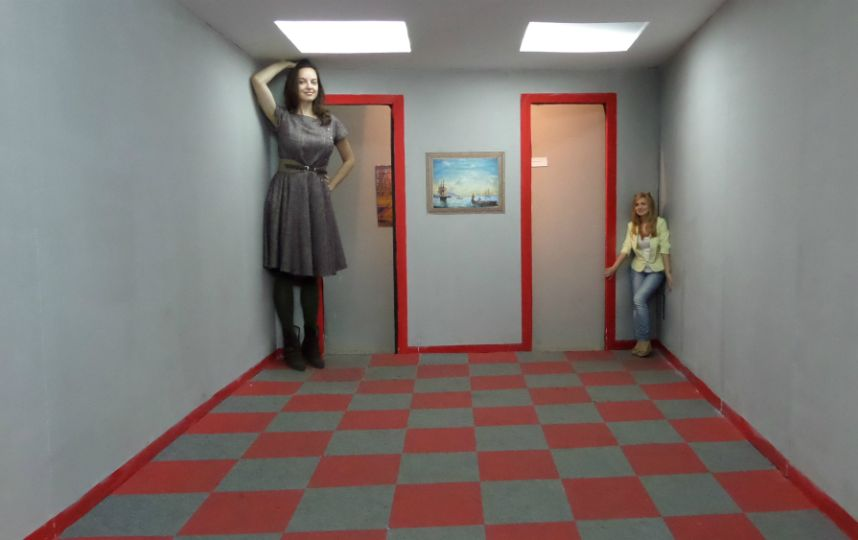 Музей иллюзий, дом великана и стеклянный лабиринт